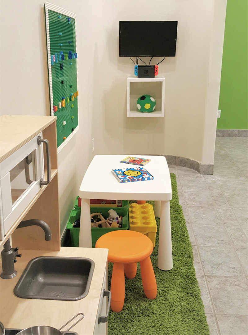 kids dentist and play area